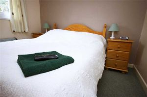 bedroom family double stay sleep holiday lodge